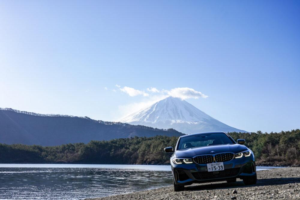 BMW M340i 湖のほとりで撮影