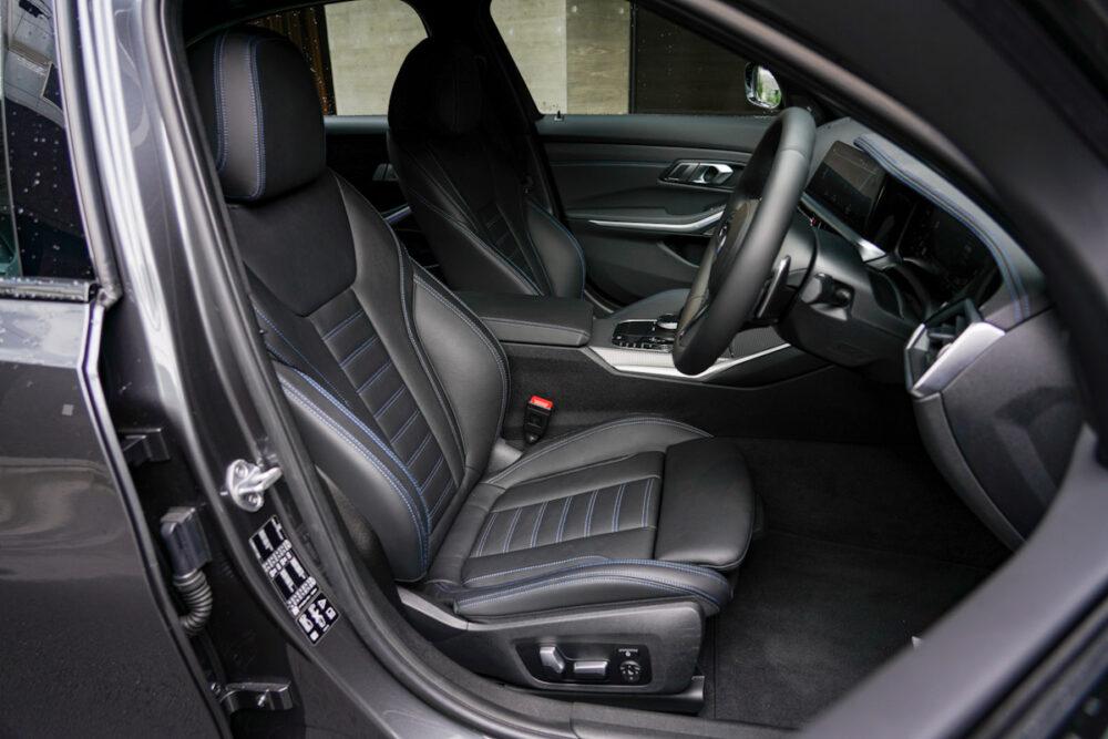 BMW M340i フロントシート