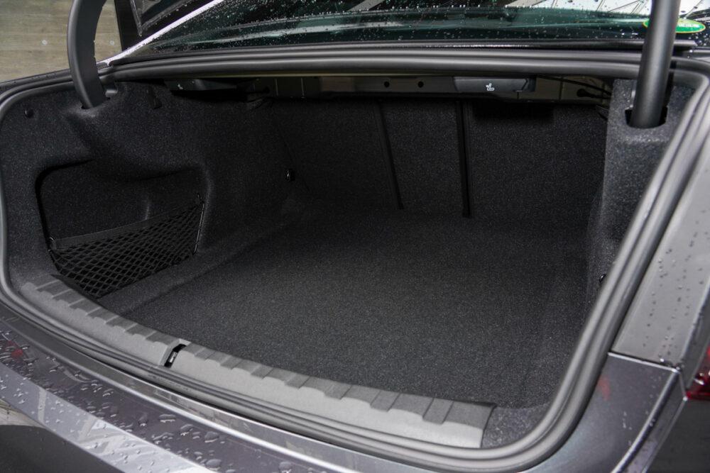 BMW M340iのラゲッジスペース