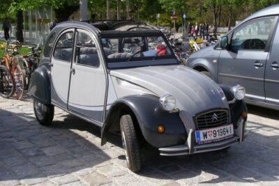 【シトロエン2CV】エンジン性能と燃費や維持費から新車の購入方法まで徹底紹介