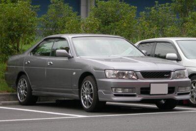 日産ローレルの歴史と現在の中古車価格は?【日本の名車】