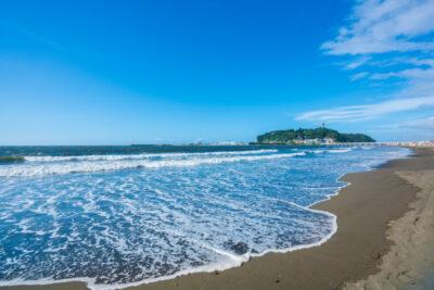 【江ノ島周辺 駐車場】安いおすすめランキングTOP5!水族館近くの予約制・穴場も!