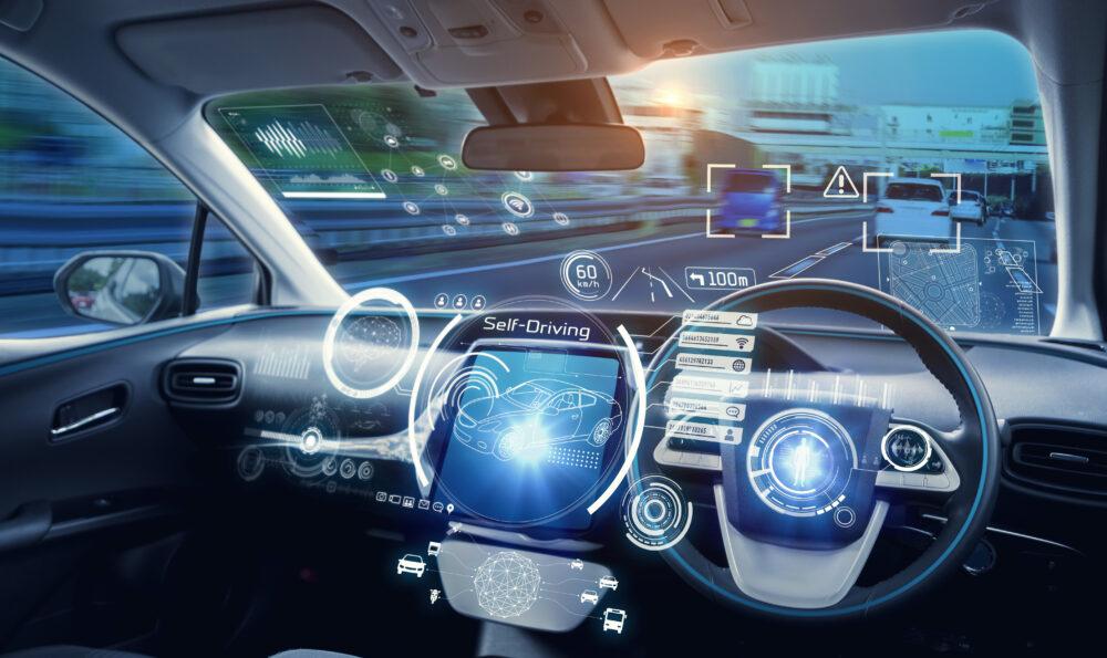 自動運転車とは?実用化したレベル3の仕組みを解説!レベル4はいつから?