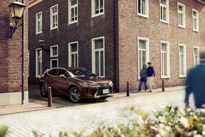レクサス UXに特別仕様車「ブラウン・エディション」発売