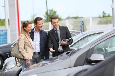 新古車・登録済未使用車のメリットとは?新車・中古車よりもお得?|便利な探し方も