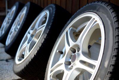 軽自動車のタイヤサイズは3パターン?装着タイヤを全車種調査