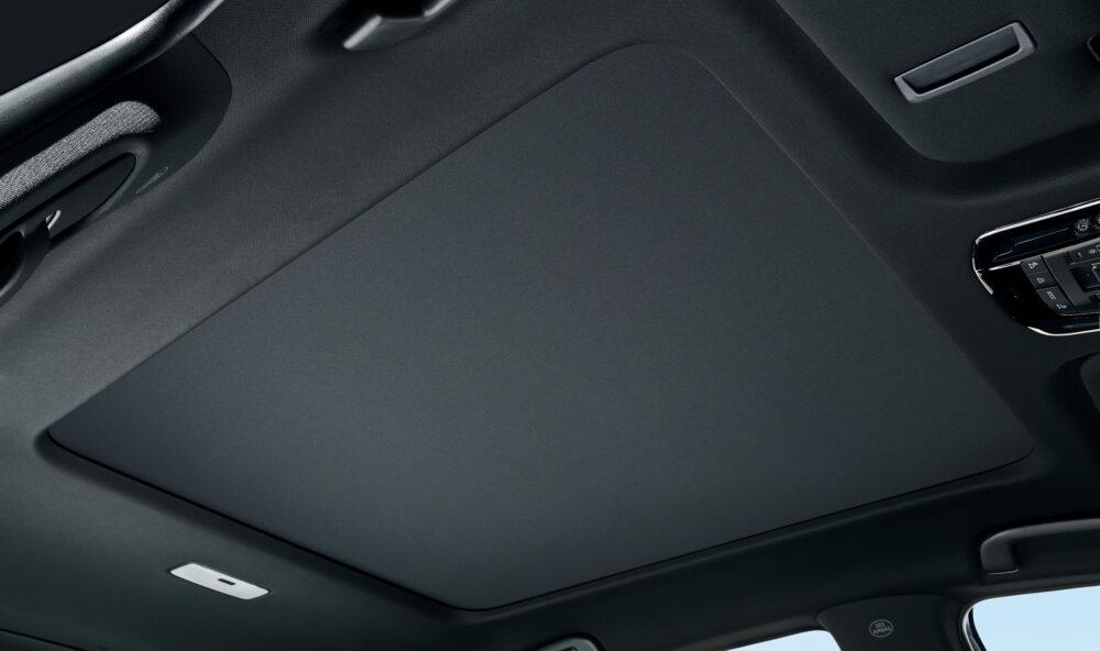 トヨタ新型ハリアー・プロトタイプ シェードクローズ