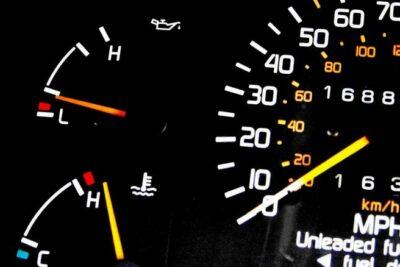 車のエンジンのオーバーヒートの意味とは?症状から原因、対処法、修理費用まで