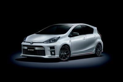 【トヨタ アクアGRスポーツ最新情報】価格や性能・スペック・デザインの違いは?