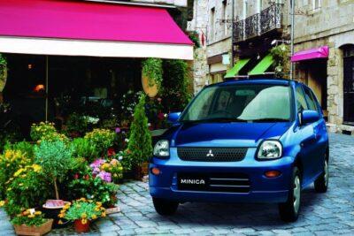 【三菱ミニカは昔ながらの軽自動車】実燃費やカスタムへの評価など