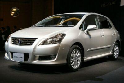 【トヨタブレイドはプレミアムコンパクトカー】実燃費やカスタムからグレードの評価など