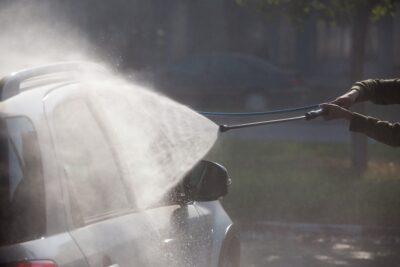 高圧洗浄機を使った洗車方法と注意点|おすすめのケルヒャー商品とカーシャンプーは?
