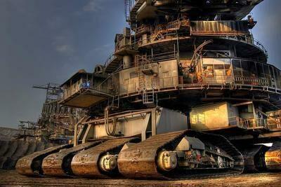 世界一大きい車!価格130億超のBagger288に漂うラスボス感…
