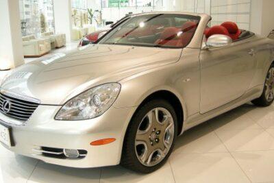 【レクサスSC は中古で買いなのか?】評価と実燃費からカスタムと最新中古車情報