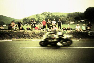 マン島TTとは?事故・死亡者続出の世界一危険なデスレースの歴史や記録