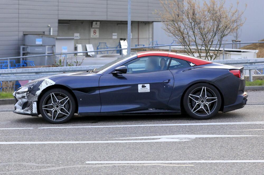 改良新型フェラーリ・ポルトフィーノ テスト車両 ボディサイド