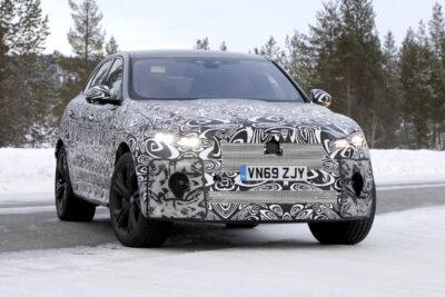 改良新型ジャガー F-PACE SVR テスト車両をスクープ!570馬力の最強SUVへ進化か