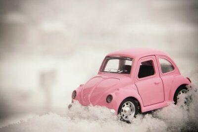 冬対策におすすめのカー用品&車載グッズ10選!チェーンから脱出グッズまで