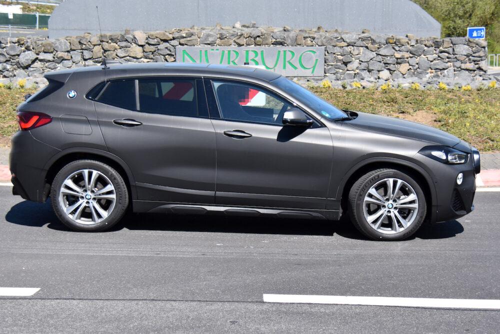 改良新型BMW X2 テスト車両 スパイショット ボディサイド