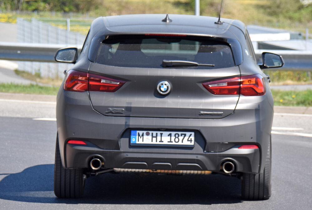 改良新型BMW X2 テスト車両 スパイショット リア