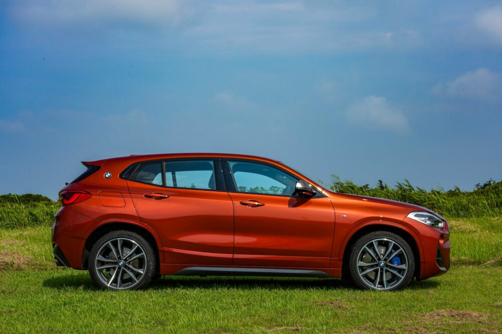 BMW X2 M35i 現行モデル ボディサイド