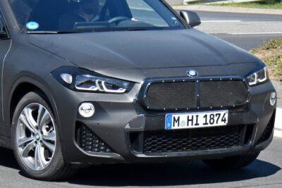 改良新型BMW X2 テスト車両をスクープ!マイナーチェンジでフロントマスクに変更が