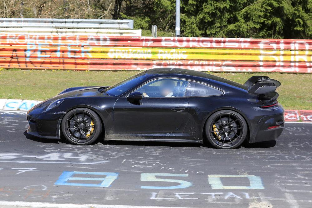 次期新型ポルシェ 911 GT3 プロトタイプ スパイショット ボディサイド