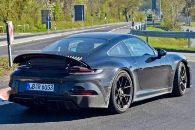 次期新型ポルシェ 911 GT3ツーリングをスクープ!73カレラをインスパイア
