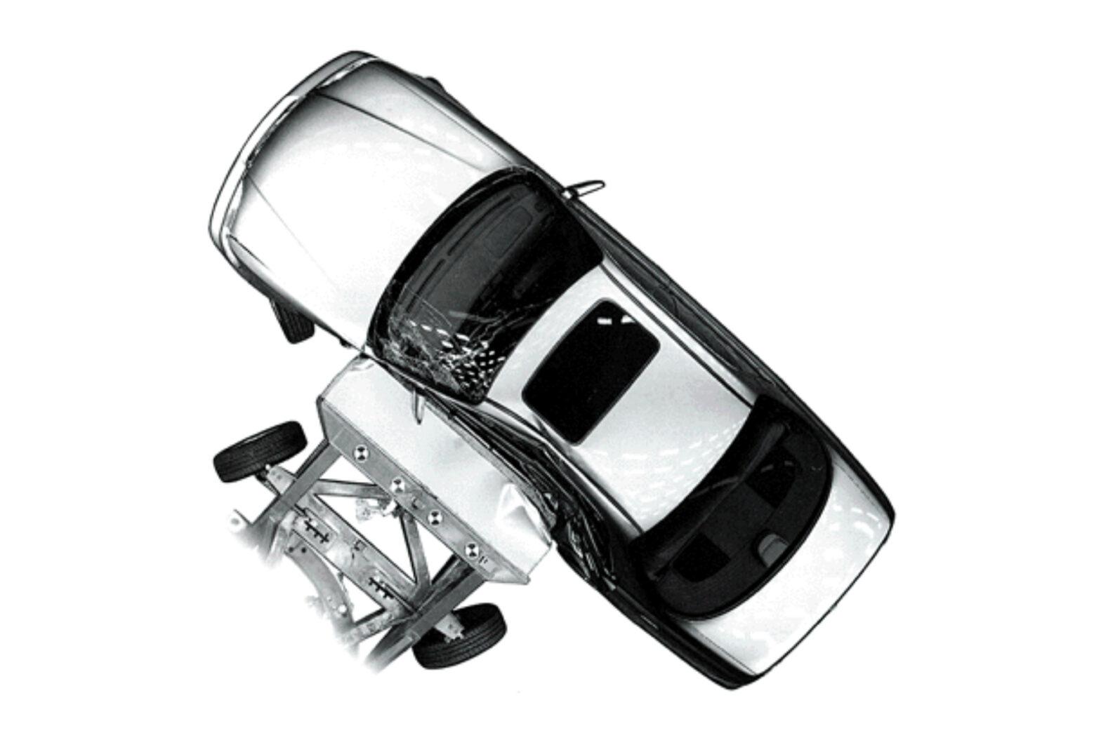 軽自動車の安全基準とは?普通自動車の基準や評価と違うの?