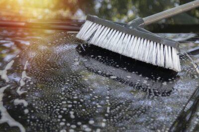 洗車ブラシおすすめ人気16選|傷つかないボディ用やロングタイプ、ホイール用など