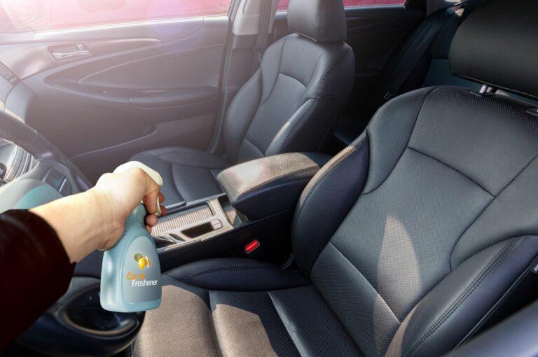 車内の臭いを消す方法と消臭グッズおすすめ人気12選|車内が臭い原因は?