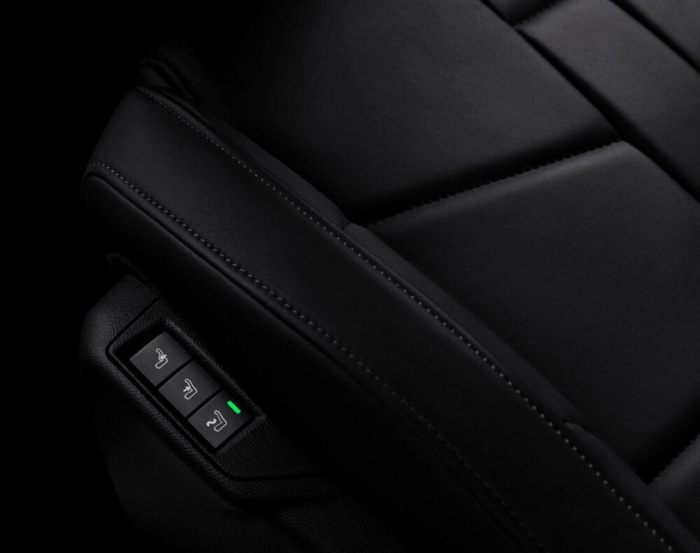 DS3 クロスバック 運転席電動調整&電動ランバーサポート