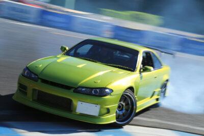 スポーツカーを殺す規制?新しい騒音規制「R51-03」とは