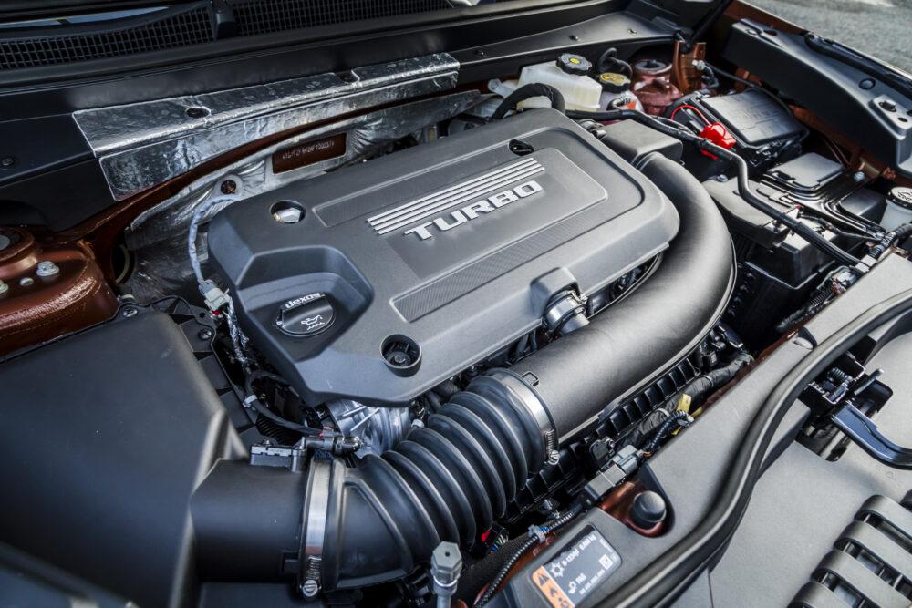 新型キャデラック XT4 のエンジンルーム