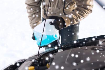 駐車場に適した融雪剤・凍結防止剤の選び方とおすすめ人気11選|車が錆びにくい主成分は?