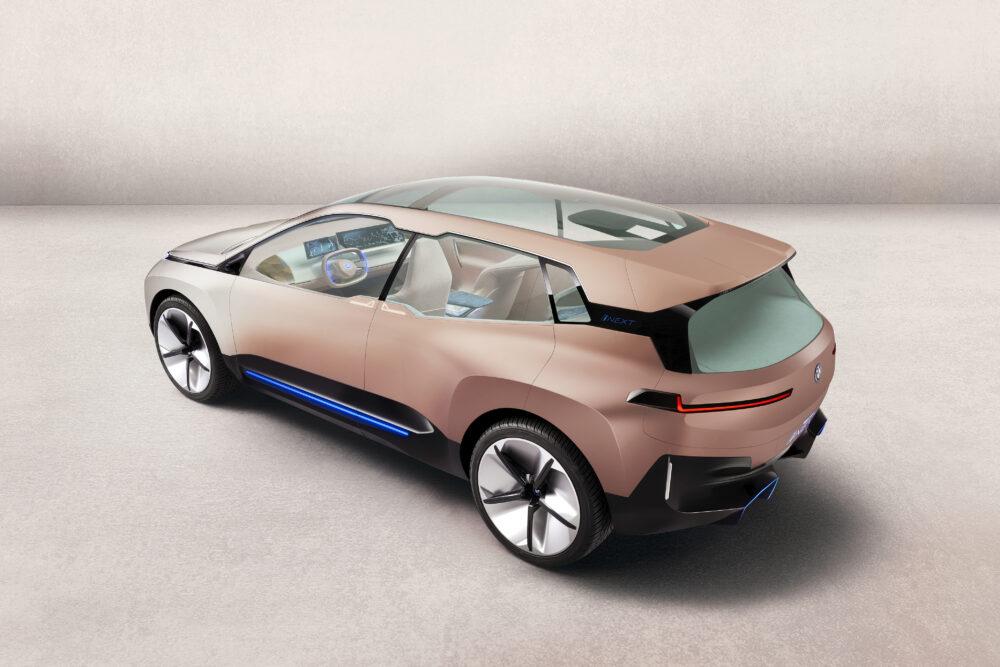 BMW Vision iNEXT リアとボディサイド