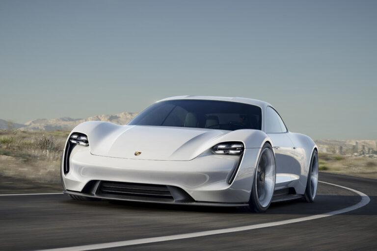 来年、日本からあのスポーツカーが消える…?騒音規制「フェーズ3」とは