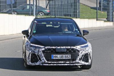 次期新型アウディ RS3スポーツバックをスクープ!450馬力モデルも?