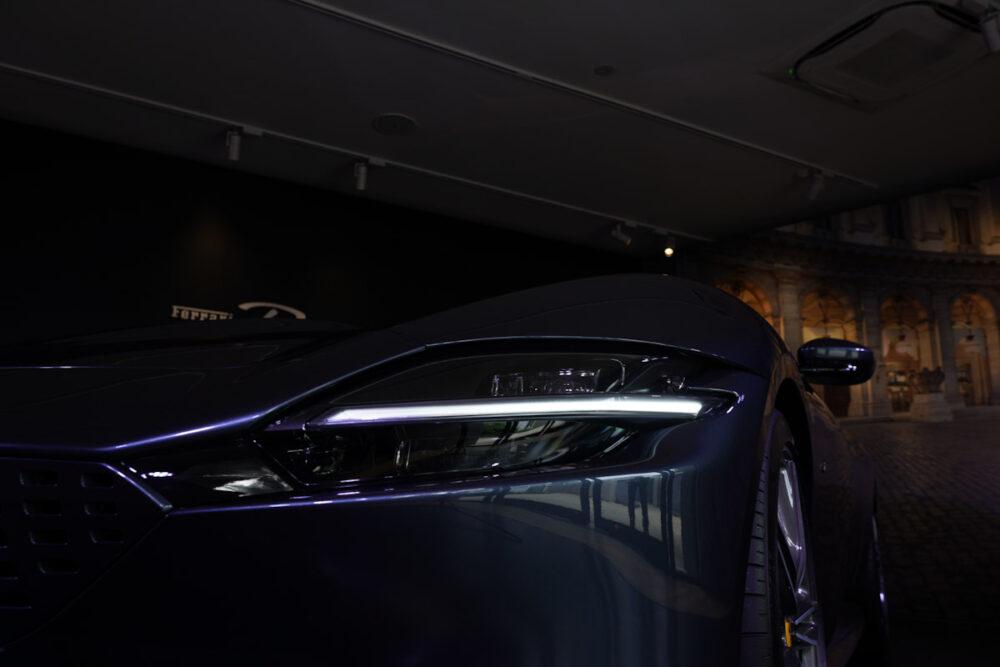 フェラーリ・ローマ ヘッドライト 暗い状態で撮影