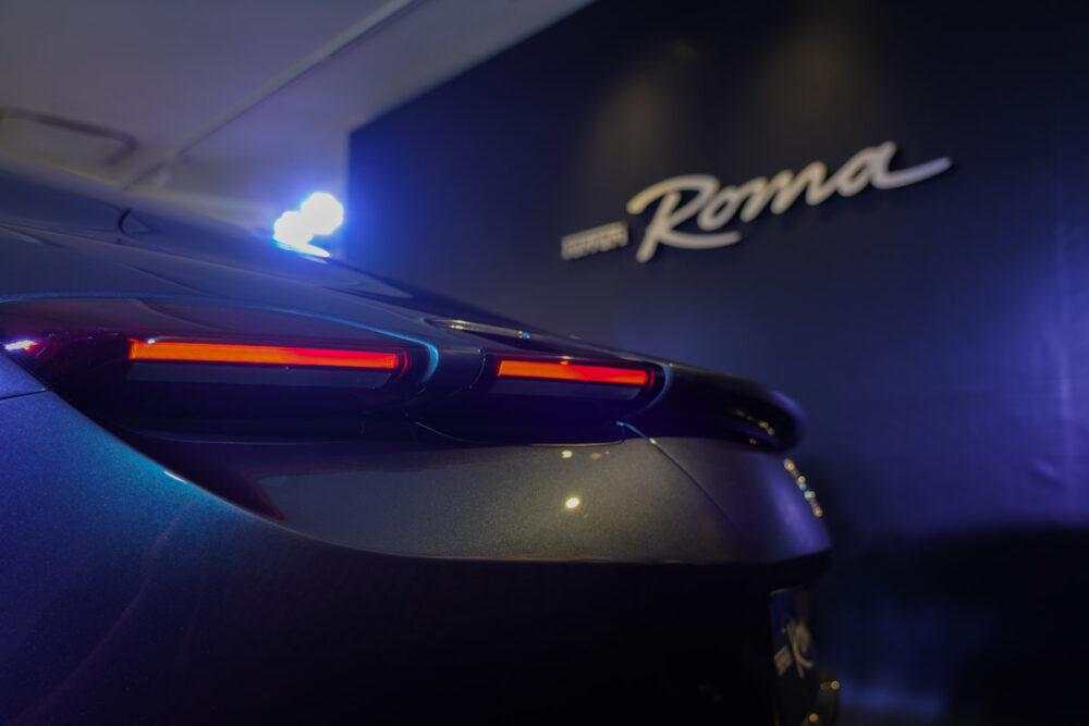 フェラーリ・ローマ リアの電動スポイラー部