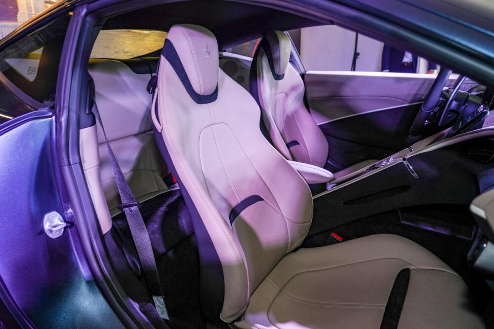 フェラーリ・ローマ フロントシート 助手席から撮影