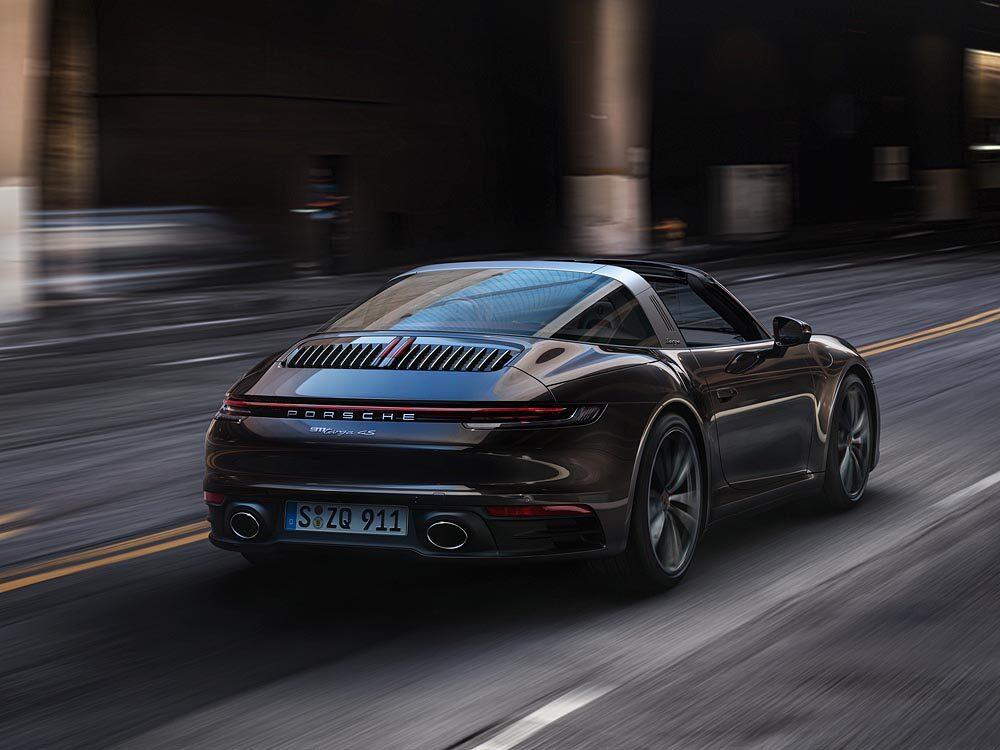 新型ポルシェ 911 タルガ リア