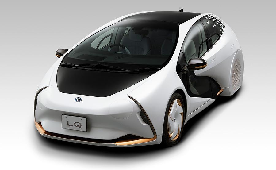 東京モーターショー2019で発表されたトヨタ LQ コンセプトのフロントとボディサイド
