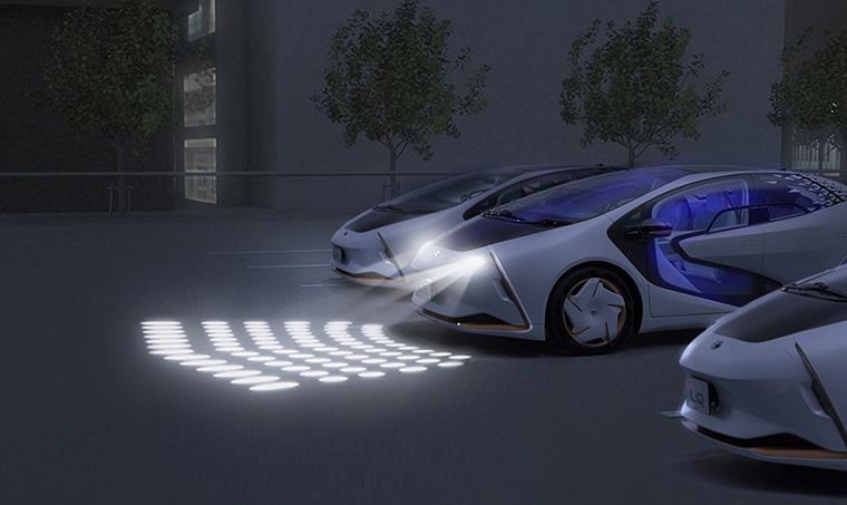 東京モーターショー2019で発表されたトヨタ LQ コンセプトの「DMDDigital Micromirror Device)」ヘッドライト照射イメージ