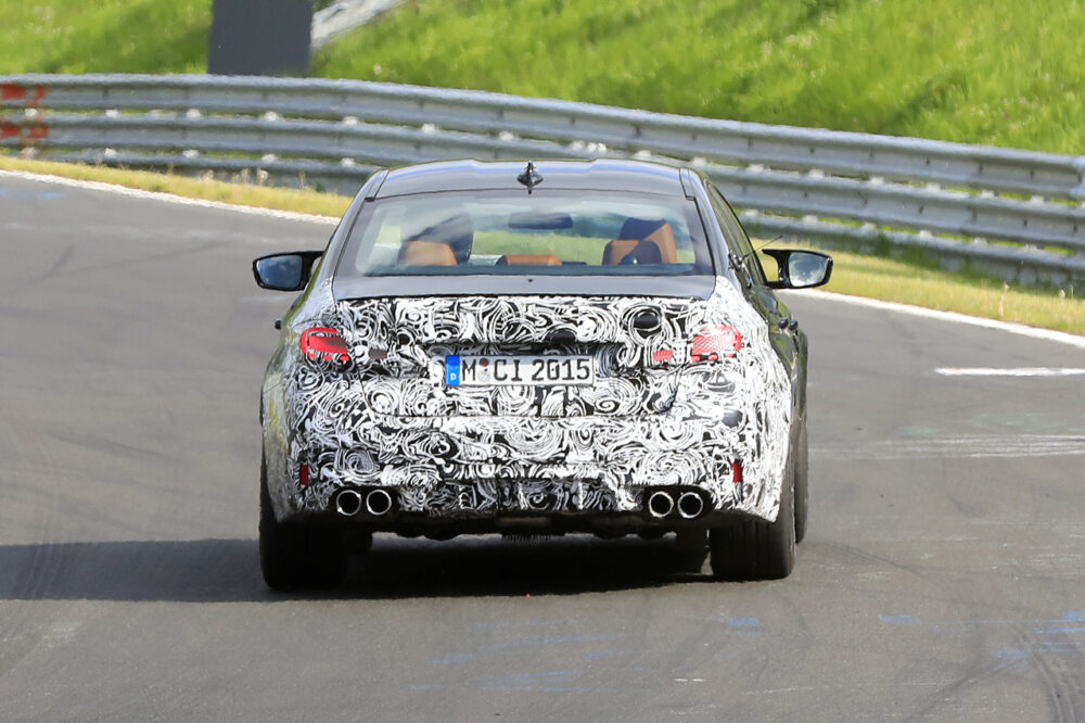 改良新型BMW M5 プロトタイプ スパイショット リア