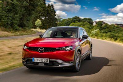 マツダ新型EV・SUV「MX-30」欧州発売開始!国内発売はいつ?航続距離200kmで大丈夫か?