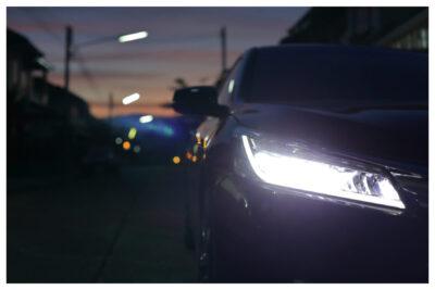 ウインカーポジションの正しい光らせ方と色|車検に通る?違法性はない?
