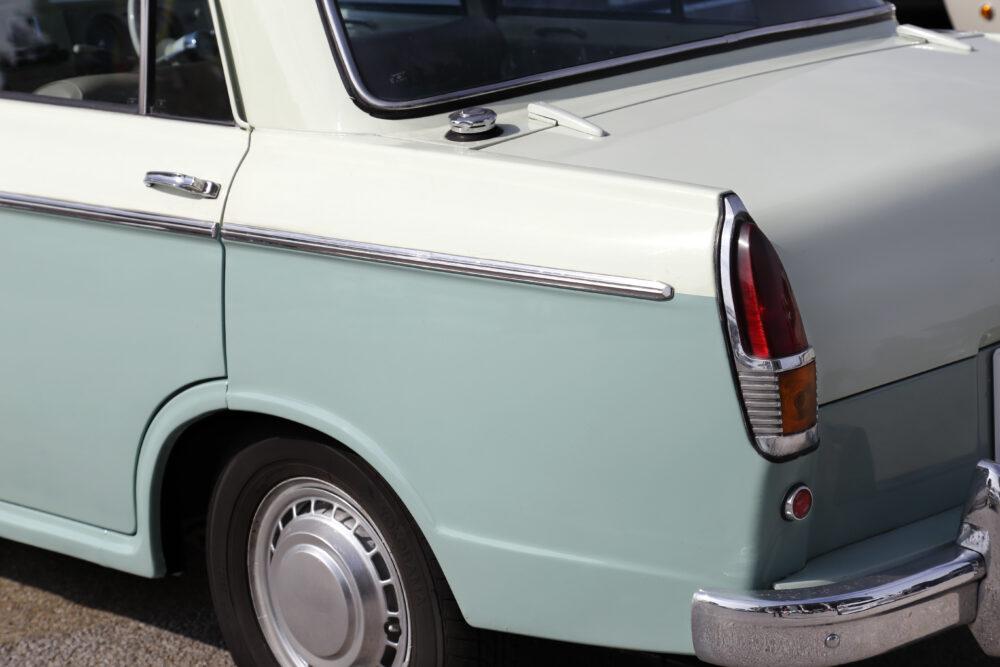 60年代初め頃の日本製セダン