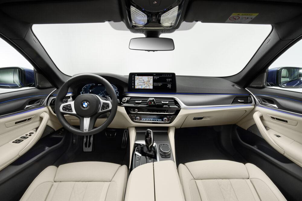 マイナーチェンジした新型BMW 5シリーズ セダンのインテリア