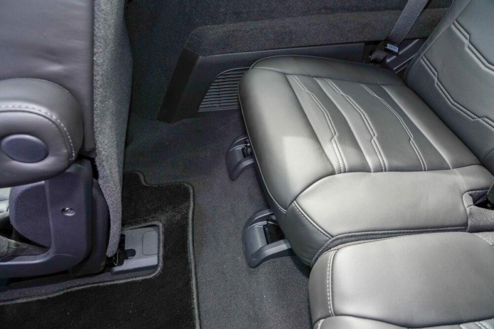 キャデラック XT6 ナイトクルーズ エディション 3列目シートの足元。